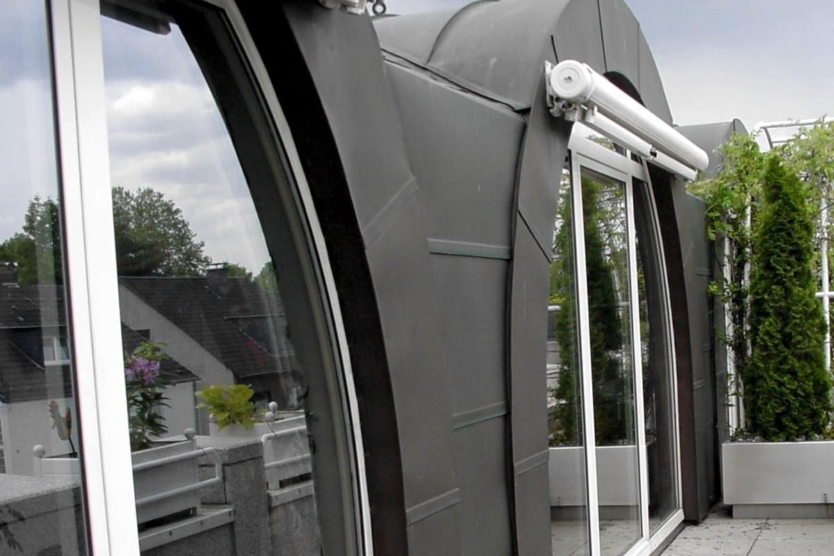 steildach wohn und b rohaus k ln 2000 bedachungen arnolds gmbh neunkirchen bei siegburg. Black Bedroom Furniture Sets. Home Design Ideas