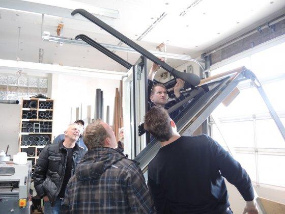 dachfenster schulung bedachungen arnolds gmbh neunkirchen bei siegburg bonn. Black Bedroom Furniture Sets. Home Design Ideas